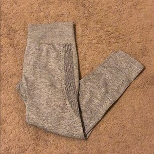 Fabletics Seamless 7/8 Capri Grey Leggings XS